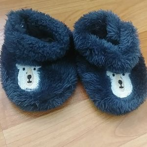Other - NWOT Fuzzy Llama Slippers